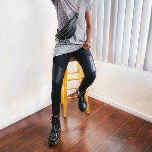 Black Motto Legging